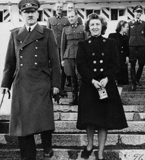 Battlefront.ru - Жизнь Адольфа Гитлера после смерти
